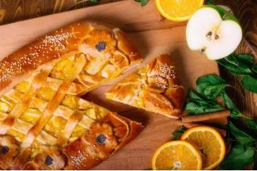Пирог с яблоком и апельсином