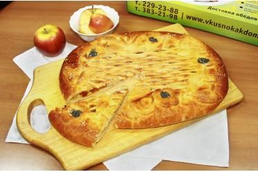 Пирог с яблоком и абрикосовым джемом