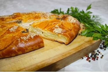 Пирог из куриного филе с картофелем, сыром и сливками