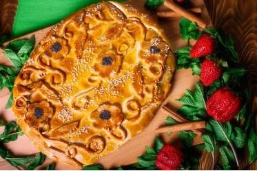 Пирог c клубникой