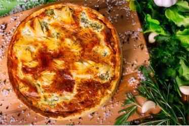 Киш с капустой брокколи и сыром фета